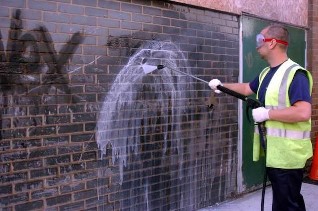 graffiti removal in minneapolis